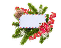 Tom vykort, julbollar och gran-träd som isoleras på vit Royaltyfri Fotografi