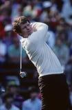 Tom Watson Watches His Golf Ball abajo del espacio abierto Imagenes de archivo