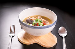 Tom Yum Gai, potage au poulet épicé Images libres de droits