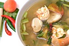 Tom Yum Goong soup med räkan, thailändsk mat Royaltyfria Bilder