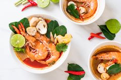 Tom Yum Goong Spicy Sour Soup fotos de stock
