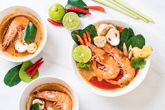 Tom Yum Goong Spicy Sour Soup imagens de stock royalty free