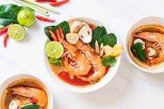 Tom Yum Goong Spicy Sour Soup foto de stock