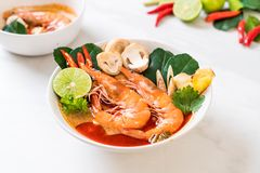 Tom Yum Goong Spicy Sour Soup fotografia de stock royalty free