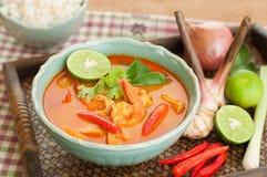 Tom Yum Goong Thai Cuisine, Garnelen-Suppe mit Lemongras. lizenzfreie stockfotos