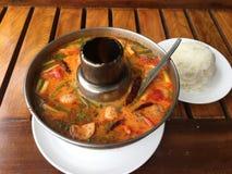 Tom Yum-soep in Chiangmai Thailand stock afbeelding
