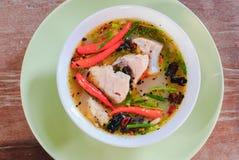 Tom yum soppa med fisken Royaltyfria Bilder