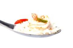 Tom Yum Soup con riso sul cucchiaio Immagine Stock Libera da Diritti
