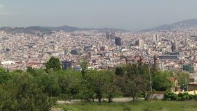 Toma panorámica aérea tirada de Barcelona almacen de metraje de vídeo