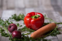 Tomaat, wortel en uien royalty-vrije stock afbeeldingen