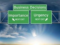 Tomada de decisão do negócio que centra-se sobre decisões da importância ou da urgência fotografia de stock royalty free