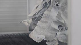 A tomada do forno para as peças de cozimento Do furo há um fumo ou um vapor filme