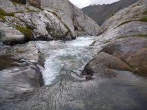 Tomada do lago alla Kol em Quirguizistão fotos de stock