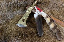 Tomahawk et clavettes photos stock