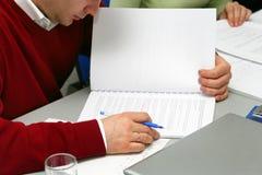 Tomar notas sobre la reunión Imágenes de archivo libres de regalías