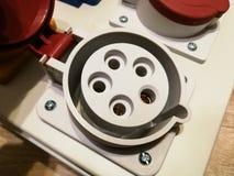 Tomas de corriente de la CA con las cubiertas de la protección imágenes de archivo libres de regalías
