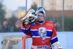Tomas Humlicek - голкипер хоккея шарика Стоковая Фотография RF