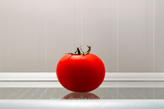 tomat i kylen Arkivfoton