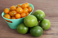 Tomat och limefrukt royaltyfria foton
