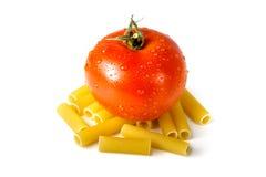 Tomatanseende på makaroni royaltyfri bild