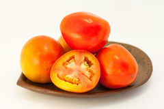 Tomate auf weißem Hintergrund Lizenzfreie Stockfotografie
