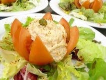 Tomate bourrée avec le thon Photos libres de droits