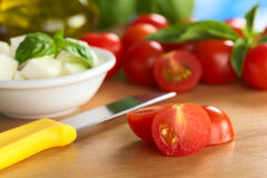 Tomate-cerise crue Image stock