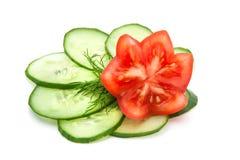 Tomate e pepino belamente cortados Fotografia de Stock