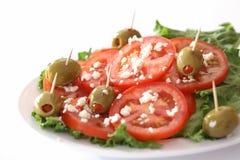 Tomate-, Käse- und Olivensalat Lizenzfreie Stockbilder