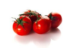 Tomate maduro vermelho com em fundo branco Fotografia de Stock Royalty Free