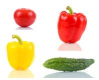 Tomate, pimienta dulce y pepino en la superficie de cristal Imágenes de archivo libres de regalías
