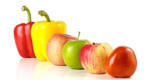 Tomate, pomme et poivron doux Photographie stock libre de droits