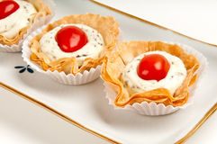Tomate und Käse Canape Lizenzfreie Stockfotografie