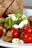 Tomate- und Pilzsalat Lizenzfreie Stockbilder