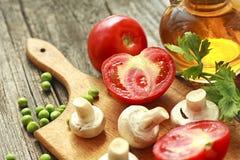 Tomate y verduras frescas Foto de archivo