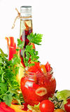 Tomatekonserven, Schmierölpfeffer und Potherbs Stockbilder