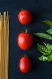 Tomaten, Basilikum und Teigwaren Lizenzfreies Stockbild