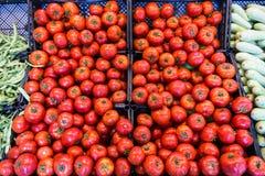 Tomaten bij de supermarkt stock fotografie