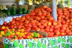 Tomaten bij een markt royalty-vrije stock foto's