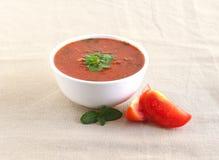 Tomaten-Curry in einer Schüssel Stockbild
