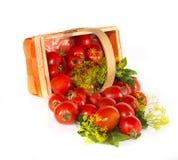 Tomaten, die Eimer überlaufen Lizenzfreie Stockfotos