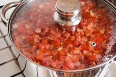 Tomaten in een pan Royalty-vrije Stock Afbeelding
