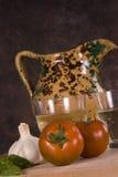 Tomaten en kruik Royalty-vrije Stock Afbeelding