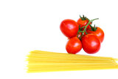 Tomaten en ruwe deegwaren Stock Afbeeldingen