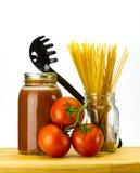 Tomaten en tomatensaus met deegwaren Stock Foto