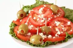 Tomaten-, Käse- und Olivensalat stockfoto