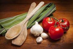Tomaten und Knoblauch Lizenzfreie Stockfotos