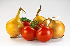 Tomaten und Zwiebeln Stockbild