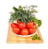 Tomaten, venkel op een schotel op een lijst Stock Foto's