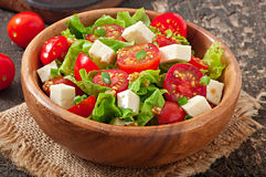 Tomatensalade met sla, kaas Stock Foto